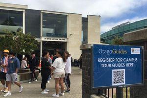 Gọi tên đại học 'nhà người ta': Tân sinh viên được 'chăm tận răng' suốt tuần đầu tiên