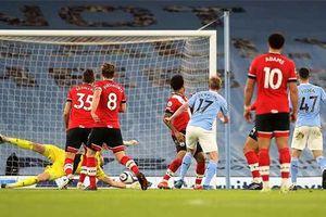 De Bruyne và Mahrez cùng lập cú đúp, Man City 'nghiền nát' Southampton