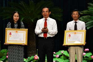 Trung tâm Kiểm soát bệnh tật TP.HCM nhận Huân chương Lao động hạng 3