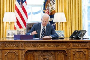 Tổng thống Mỹ phê chuẩn gói cứu trợ COVID-19 trị giá 1.900 tỷ USD