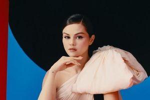 'Revelacíon' - bữa tiệc chia tay những tổn thương trong tình yêu của Selena Gomez
