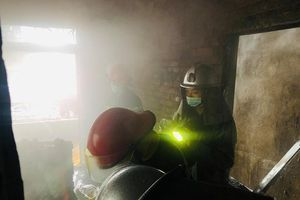 Kịp thời cứu 5 người thoát nạn trong đám cháy lúc 4 giờ sáng
