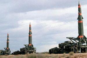 Đối đầu Trung-Mỹ: Chiến tranh Lạnh và ngoại giao tên lửa