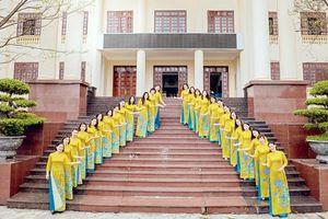 Phát triển văn hóa, con người Quảng Ninh trong CNVCLĐ