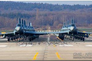Không quân Đức trình diễn màn 'voi đi bộ' với 18 chiến đấu cơ Eurofighter