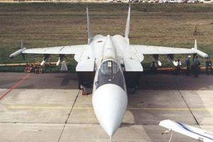 Tại sao NATO vui mừng khi Nga bỏ siêu tiêm kích MiG-31M?