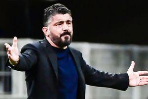 Milan đuối sức trong cuộc đua vô địch
