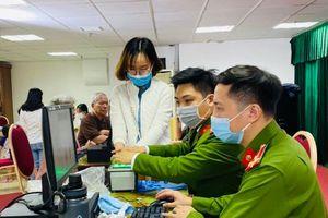 Quận Thanh Xuân: Triển khai cấp căn cước công dân gắn chíp tại khu chung cư