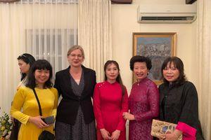 Cuộc gặp gỡ ý nghĩa của những phụ nữ biệt tài tại Hà Nội