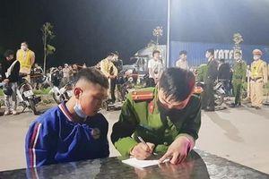 Chặn bắt 10 đối tượng 'chạy xe như ma đuổi' trong đêm ở Bắc Giang