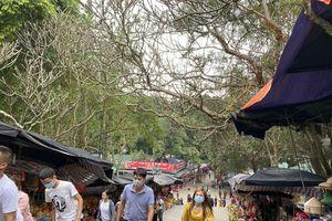 Lễ hội chùa Hương: Đón hơn 4 vạn khách, không còn cảnh 'tả tơi' đi hội