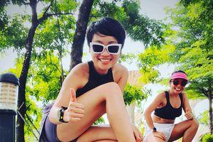 Cô gái năng động vừa làm MC, vừa là vận động viên chạy ở giải Tiền Phong Marathon