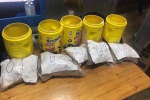 Phát hiện gần 6 kg nghi ma túy ở Sân bay Tân Sơn Nhất