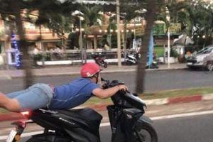 Clip: Nam thanh niên nằm lên yên xe, lái như bay trên phố ở Vũng Tàu