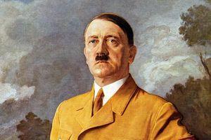 Bất ngờ cuộc đời Hitler, bị bệnh răng miệng khiến lính sợ đứng gần