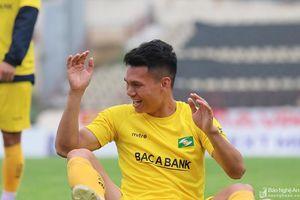 Buổi tập đầy ắp tiếng cười của Sông Lam Nghệ An trước trận Quảng Ninh