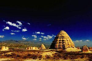 Bí ẩn quần thể lăng mộ được mệnh danh là kim tự tháp phương Đông, cỏ không dám mọc, chim không dám đậu