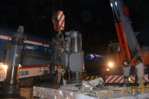 Xuyên đêm khắc phục tai nạn giữa tàu hỏa và xe container tại Khánh Hòa