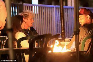 Megan Fox thanh lịch đi ăn tối lãng mạn cùng tình trẻ