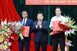 Hà Giang công bố các quyết định về nhân sự