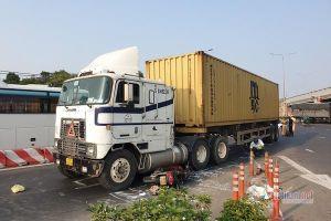 Xe container cán chết người ở nút giao thông hầm chui An Sương