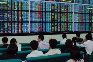 Chứng khoán hôm nay 17/3: Cổ phiếu ngân hàng, dầu khí 'tỏa sáng'