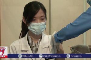 Malaysia triển khai đồng bộ tiêm chủng vaccine COVID-19
