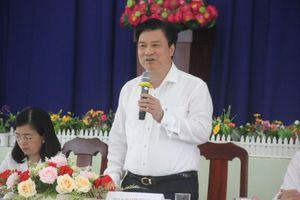 Thứ trưởng Nguyễn Hữu Độ khảo sát thực hiện chương trình GDPT 2018 tại TPHCM