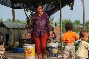 Tâm sự buồn của người phụ nữ Hà Nội 14 lần sinh con tại nhà