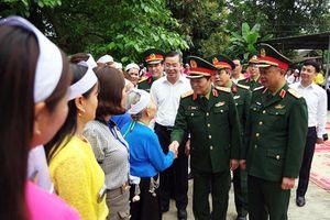 Đại tướng Ngô Xuân Lịch thăm và làm việc tại tỉnh Hòa Bình