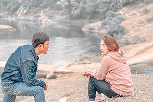 Rò rỉ ảnh lãng mạn của Hồng Diễm-Quốc Đam trong 'Hướng dương ngược nắng'