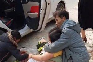 Clip: Sản phụ Nghệ An sinh con thành công ngay bên lề đường