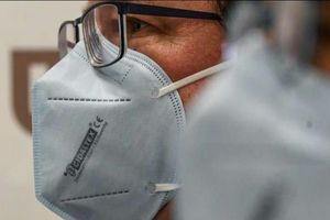 Pháp thông báo đã sản xuất thành công loại khẩu trang có thể tiêu diệt virus corona.