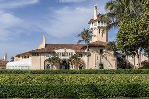 Khu nghỉ dưỡng nhà Trump đóng cửa một phần vì có ca mắc Covid-19