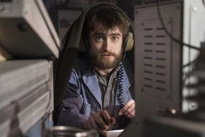 Daniel Radcliffe hóa phản diện trong phim hài của Sandra Bullock