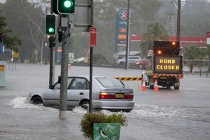 Australia hứng 'bom mưa', hơn 17.000 dân phải sơ tán