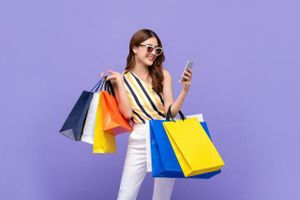 Phát hoảng vì vợ 'tái nghiện'... mua sắm