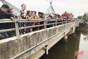 Hà Tĩnh: Tìm thấy thi thể nam thanh niên mất tích khi nhảy xuống sông cứu bạn gái