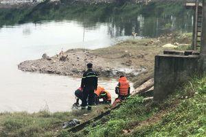 Vô tình khiến em họ tử vong khi dìu xuống sông nhúng nước cho tỉnh rượu