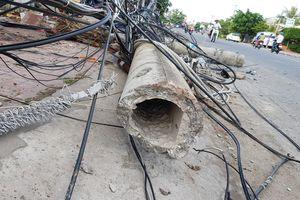 Ông Tây tông đổ 5 cột điện có thể bị xử phạt ra sao?