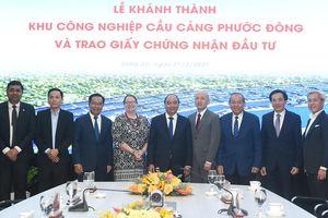Thủ tướng tiếp một số nhà đầu tư tại Long An