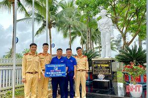 Đoàn thanh niên Công an tỉnh và BIDV Hà Tĩnh bàn giao 5 công trình thanh niên ở Hương Khê
