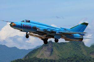 Báo Nga ngạc nhiên khi ''lão tướng'' Su-22 được trang bị 'lá chắn thép' Talisman