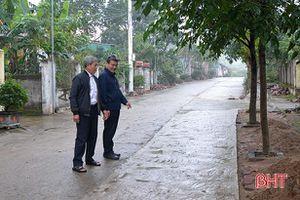 TX Hồng Lĩnh hỗ trợ 100 ngàn đồng/m2 thảm nhựa đường rộng 3m trở lên