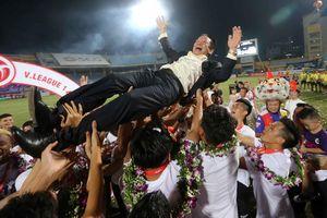 7 năm sau vụ bầu Hiển chửi trọng tài: Hà Nội FC bỗng dưng vô đối về điều này!