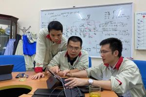 Bác sĩ trẻ có mặt ở nhiều điểm nóng COVID-19 lọt Top 'Gương mặt trẻ Việt Nam tiêu biểu'