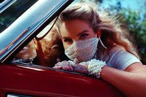 Lana Del Rey ra album đáp trả dư luận