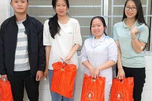 Cảm động gương 4 bạn trẻ Đà Lạt kịp thời hiến máu cứu sống sản phụ trong đêm