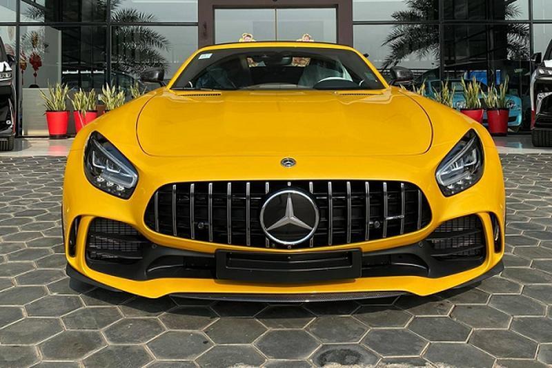 Đại gia Campuchia tậu siêu xe Mercedes-AMG GT R mui trần 'cực hiếm'