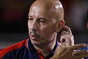 Trợ lý của HLV nhận lương cao nhất V-League khiến người hâm mộ 'ngỡ ngàng'